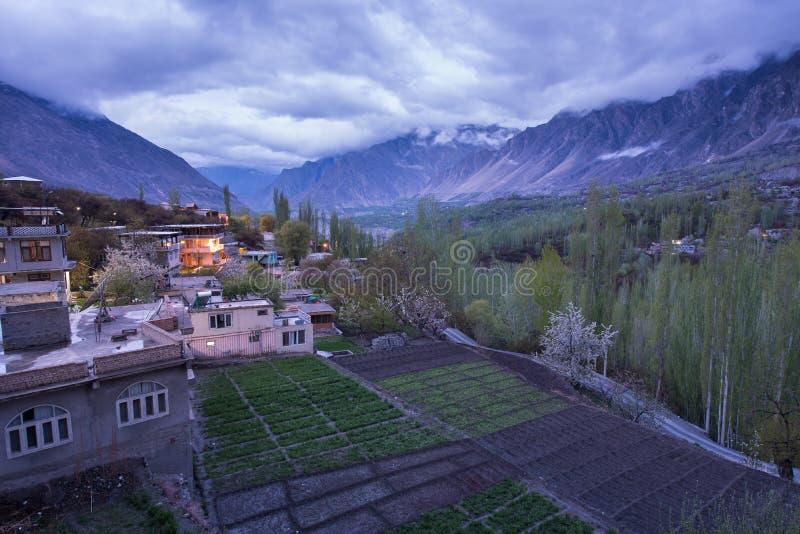 Landschap van Hunza-Vallei in Lentetijd, Gilgit Baltistan, nr stock foto