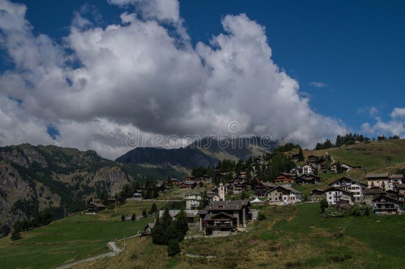 Landschap van Italiaanse alpen stock foto's