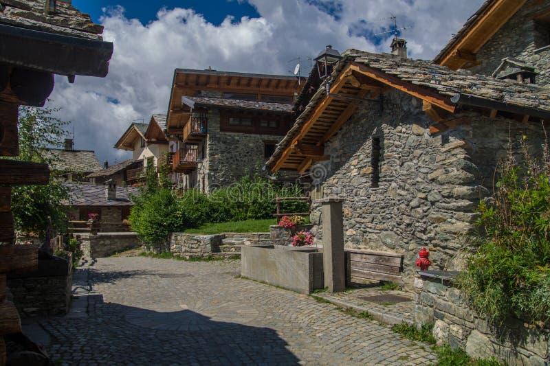 Landschap van Italiaanse alpen stock afbeeldingen