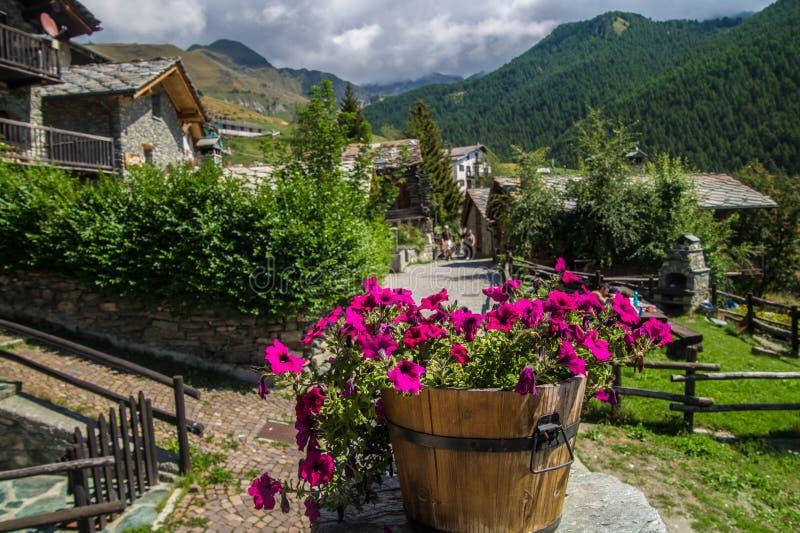 Landschap van Italiaanse alpen stock afbeelding