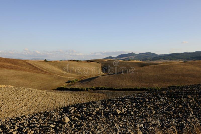 Landschap van landbouwgrond in Toscanië royalty-vrije stock foto