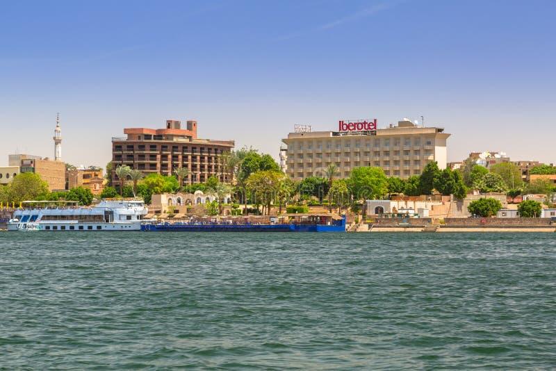 Landschap van Luxor-stad bij de rivier van Nijl, Egypte royalty-vrije stock afbeelding