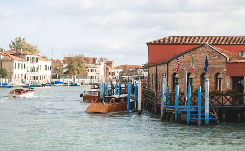 Landschap van Murano, Venetië Architectuur, overzees, boten op het Eiland Murano, Venetië stock fotografie