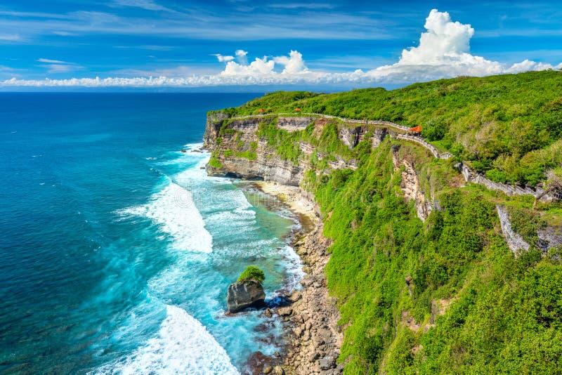 Landschap van Oceaan en Rotsen, kleurrijke en mooie plaats, Bali, Indonesië stock afbeeldingen