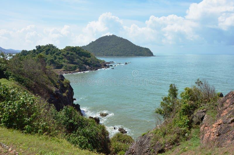 Landschap van overzees van de heuvel toneelpunt van Nang Phaya in Thailand royalty-vrije stock foto's