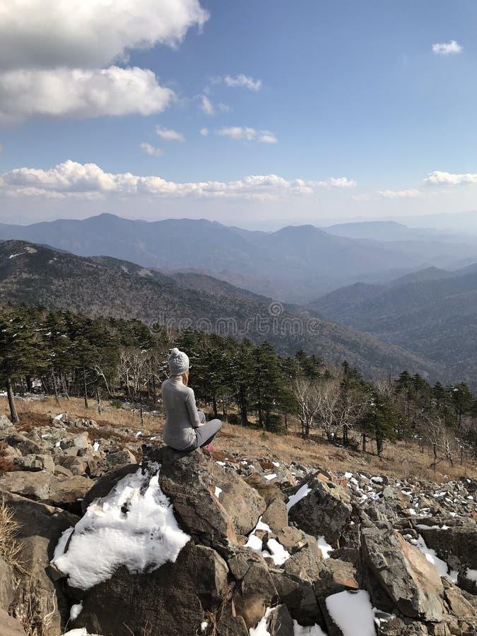 Landschap van piek van berg Falaza stock afbeelding