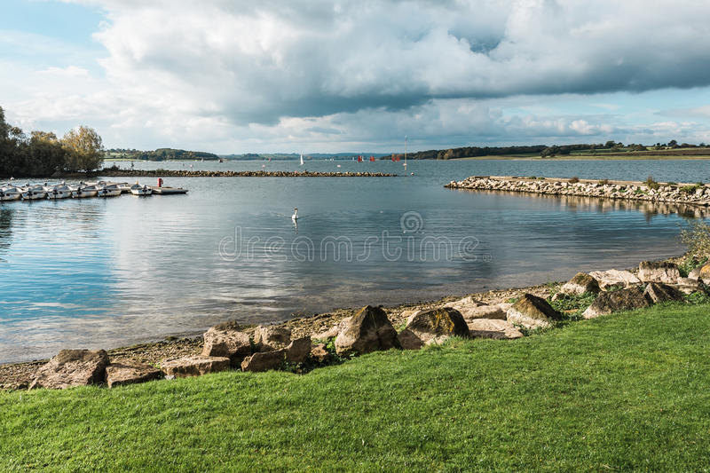 Landschap van Rutland Water Park, Engeland stock foto