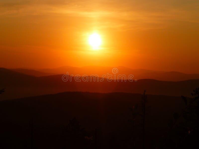Landschap, zonsondergang stock afbeelding
