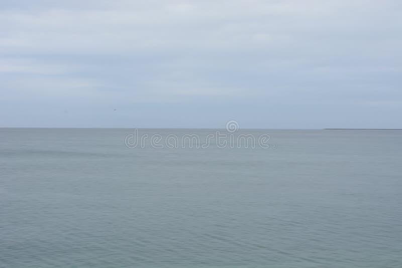 Landschapsfoto van de serene oceaan royalty-vrije stock afbeelding