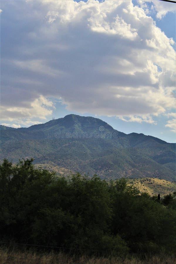 Landschapslandschap tussen Sedona en Jerome, Maricopa-Provincie, Arizona, Verenigde Staten stock afbeelding