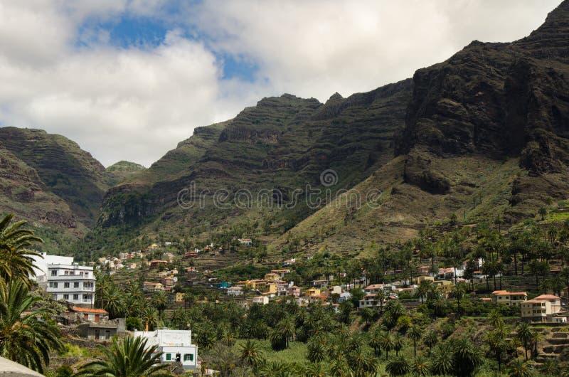 Landschapsmening over de vallei dichtbij de stad van Valle Gran Rey royalty-vrije stock foto's