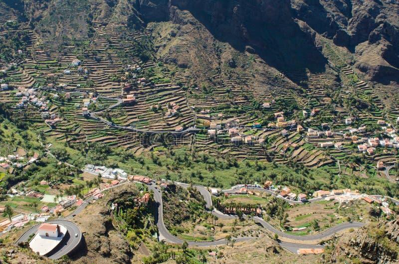 Landschapsmening over de vallei van Valle Gran Rey stock foto's