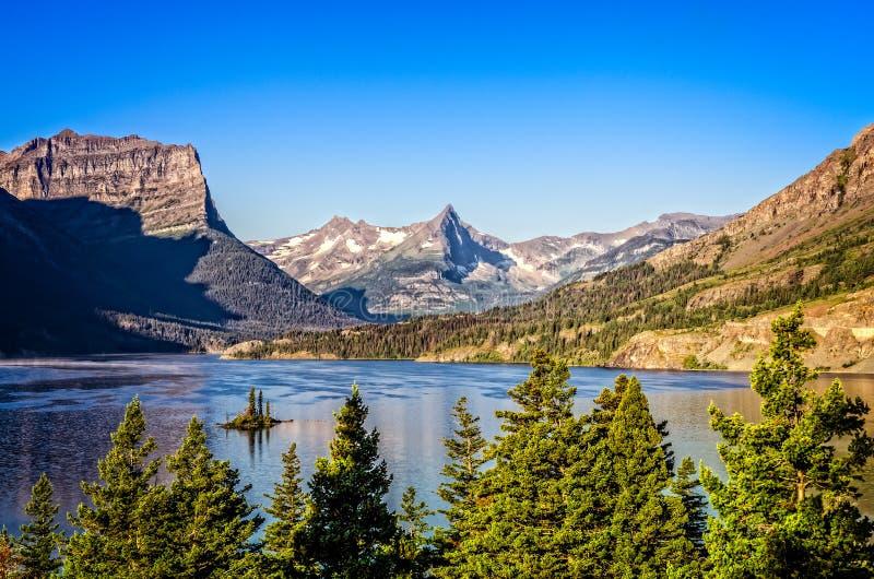 Landschapsmening van bergketen in Gletsjer NP, Montana, de V.S. royalty-vrije stock foto's