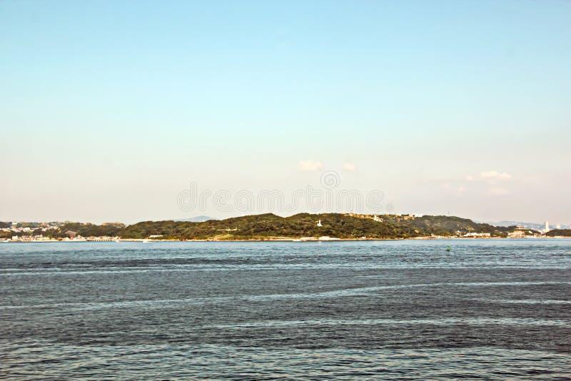 Landschapsmening van de kustlijn en de wateren van de haven de Baai van van Chiba, Tokyo japan royalty-vrije stock fotografie