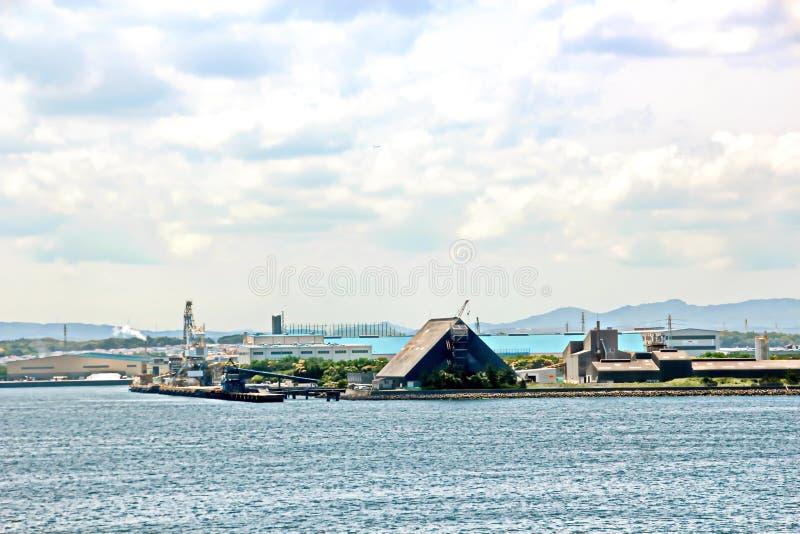 Landschapsmening van de kustlijn en de wateren van de haven de Baai van van Chiba, Tokyo japan royalty-vrije stock afbeelding
