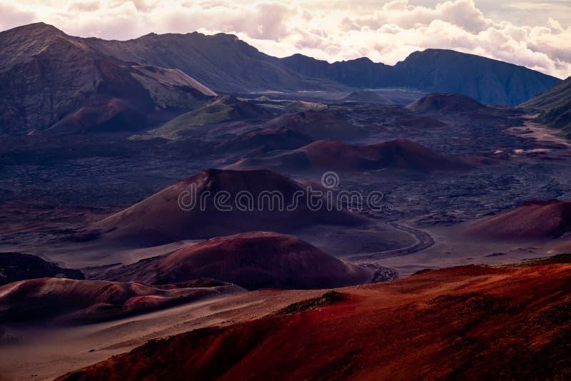 Landschapsmening van nationale het parkkrater van Haleakala bij zonsopgang, Maui stock foto
