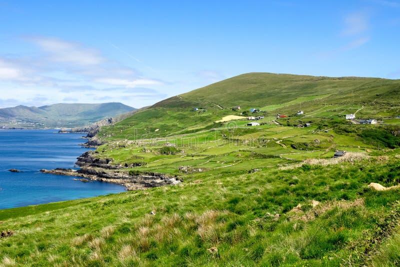 Landschapsmening in West-Kerry, Beara-schiereiland in Ierland royalty-vrije stock afbeelding
