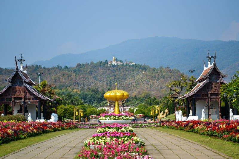 Landschapsweergave van botanische tuin, Royal Rajapruek Park in Chiangmai in Thailand stock foto's