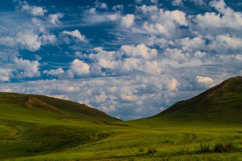 Landschapsweiden en weilanden van het Nationale Park van Baikal stock foto
