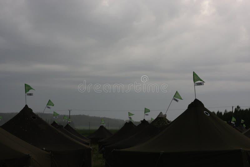 Landscpae mit Zelten lizenzfreies stockfoto