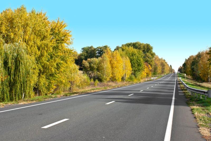 landshuvudväg arkivbilder