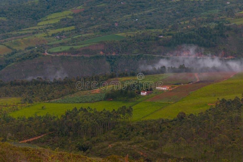 Landskap av bergen av Colombia arkivfoto