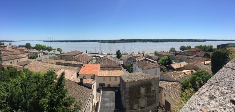 Landskap av Bourg sur Gironde royaltyfria bilder