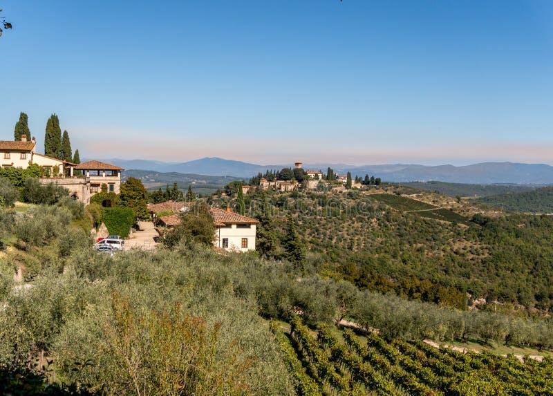 Landskap av Chiantiregionen i Tuscan Italien fotografering för bildbyråer