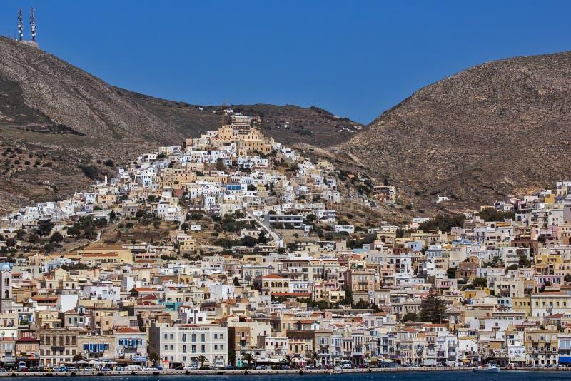 Landskap av den Ermoupoli staden, Syros, Cyclades öar arkivfoto