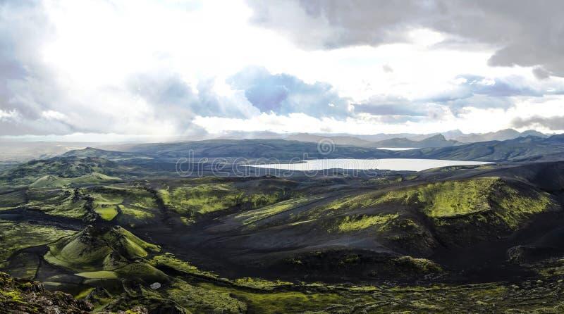 Landskap av den Lakagigar dal- och Langisjor sjöcentralen Island arkivfoto