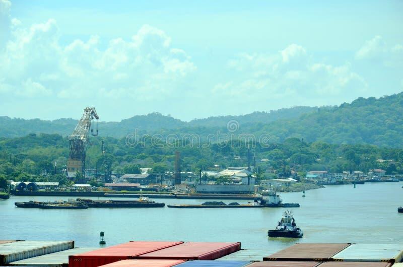 Landskap av den Panama kanalen arkivbild