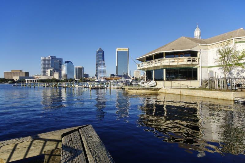 Landskap av Jacksonville som är i stadens centrum i Florida, USA arkivfoton