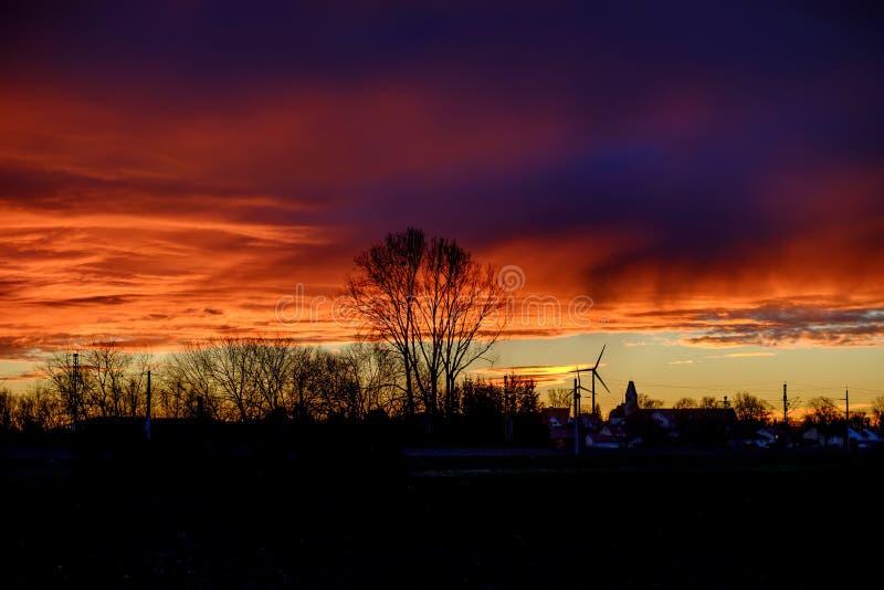 Landskap av Malching på solnedgången arkivbild