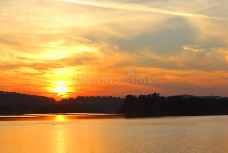 Landskap av soluppgång royaltyfria foton