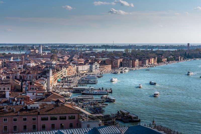 Landskap av Venedig från campanilen San Marco arkivbilder