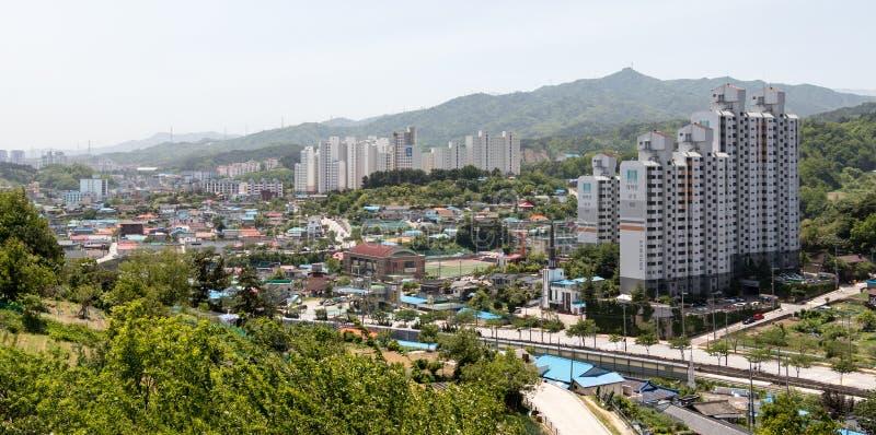 Landskap byggnader med horisont av den Donghae staden, Gangwon landskap, Sydkorea, Asien royaltyfri fotografi