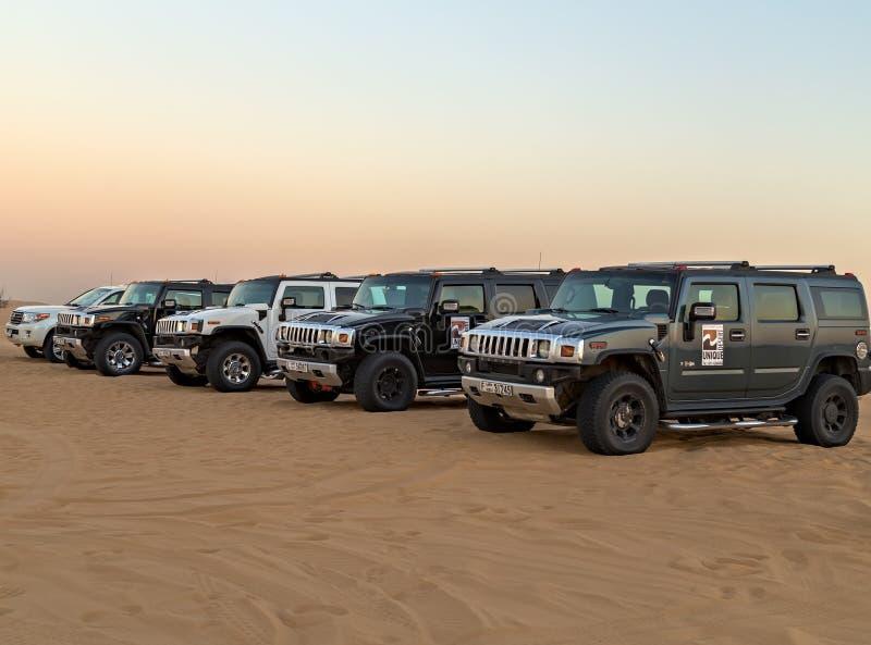 Landskap för öken för Safari Hummer soluppgångsand, UAE, Dubai royaltyfri bild