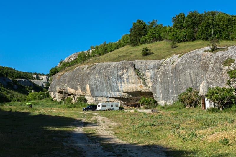 Landskap för diamanterna för skytte för film` s av Stalin på grottastaden i den Cherkez-Kermen dalen, Krim royaltyfria foton