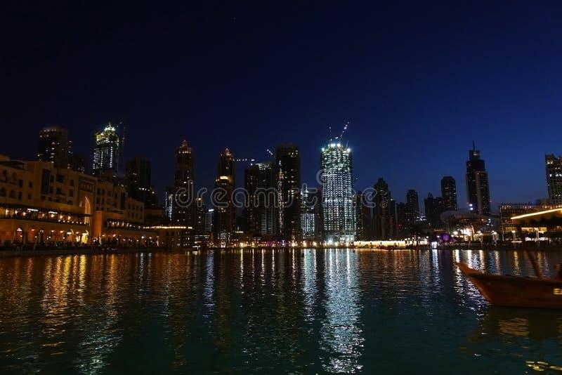 Landskap för Dubai i stadens centrum nattplats, berömt ställe som ska besökas, UAE, 1st av Maj 2018 arkivbild