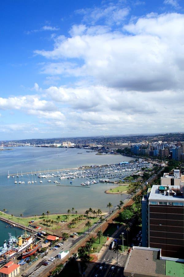 landskap för stadsdurban hamn arkivbild
