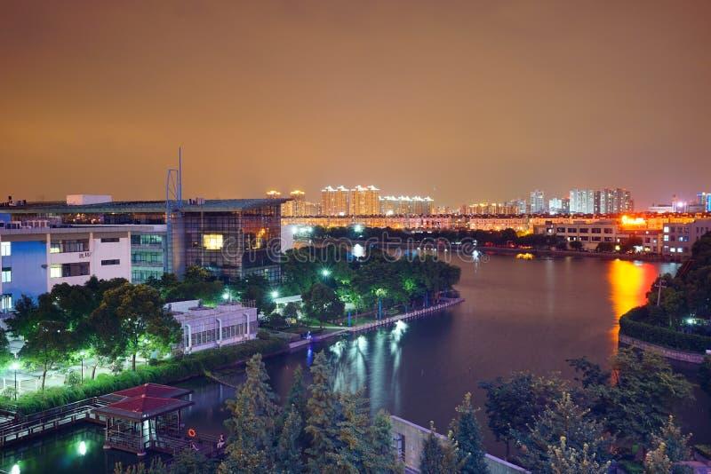 Landskap för Suzhou stadsnatt royaltyfri fotografi