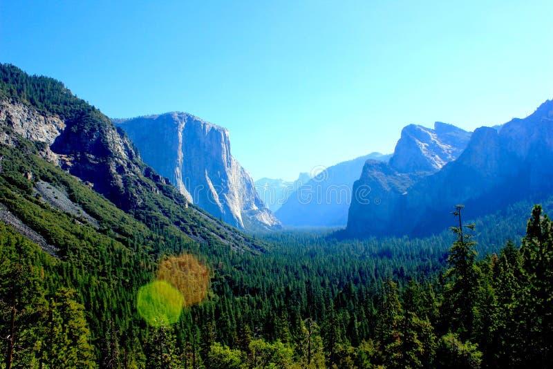 Landskap från att fotvandra på den Yosemite nationalparken royaltyfri bild