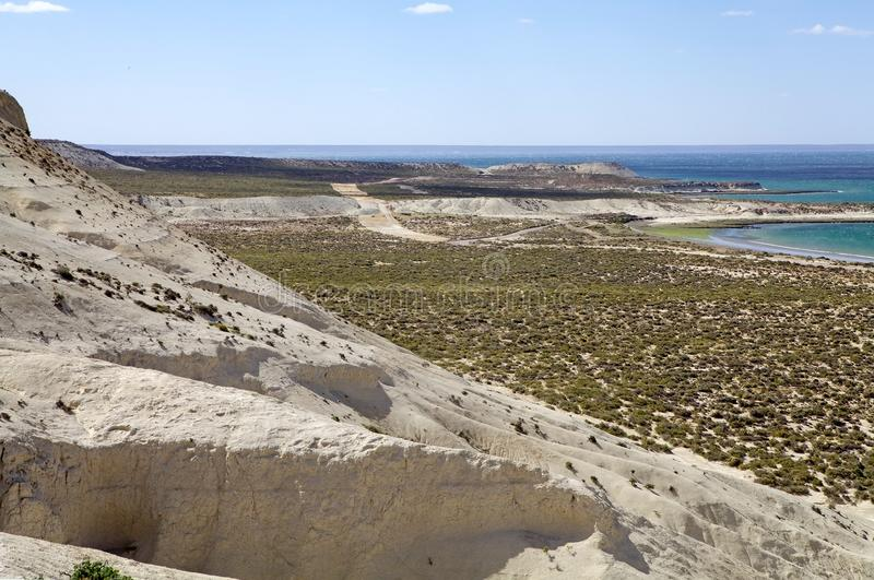 Landskap från kullen nära Puerto Madryn, en stad i det Chubut landskapet, Patagonia, Argentina arkivbild