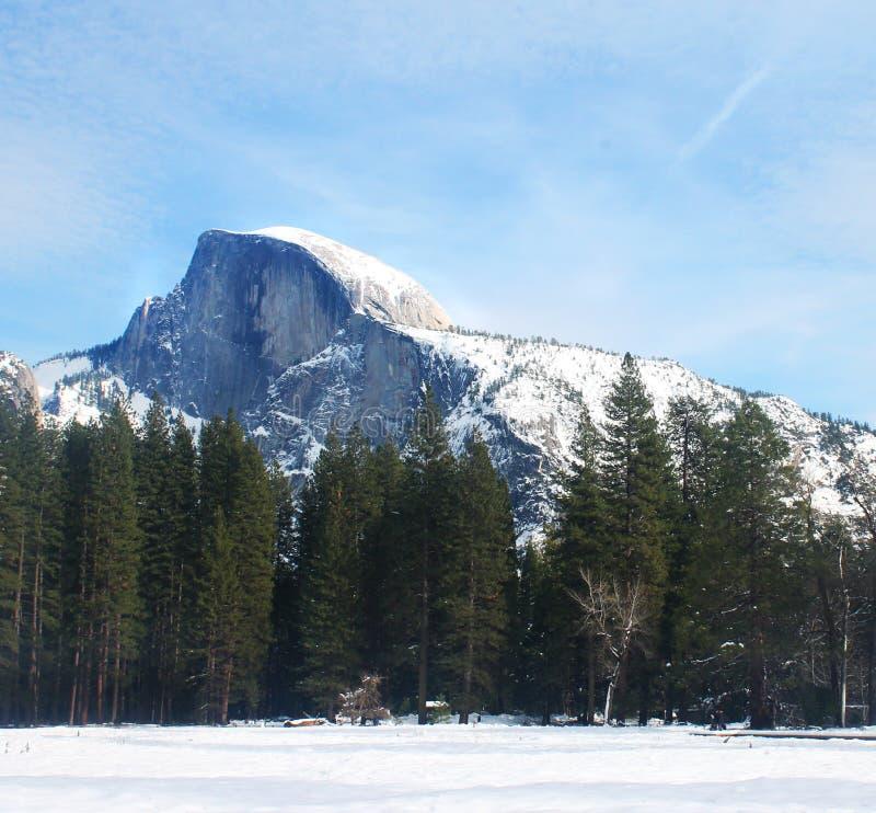 Halv kupol på Yosemite arkivfoton