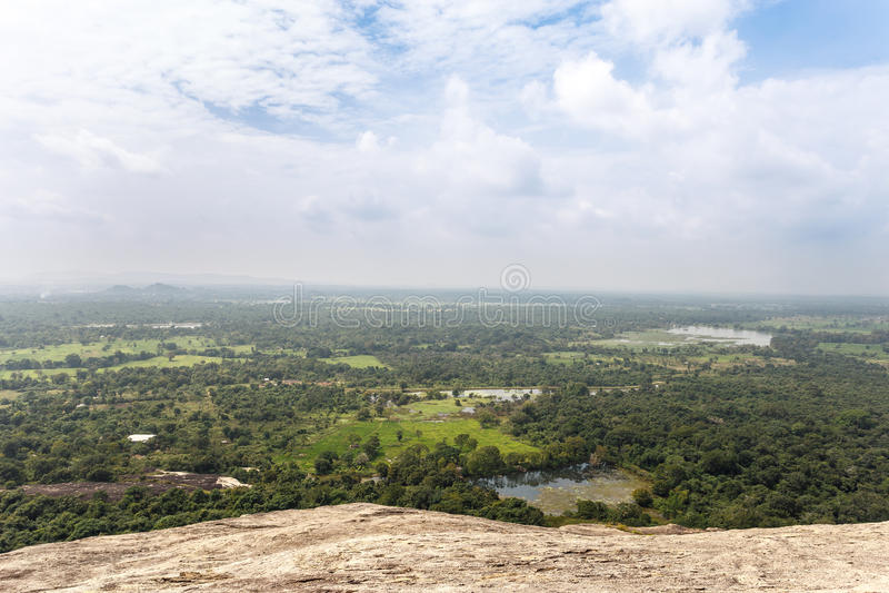 Landskap med Pidurangala forntida Forest Monastery, Sigiriya, S arkivfoton