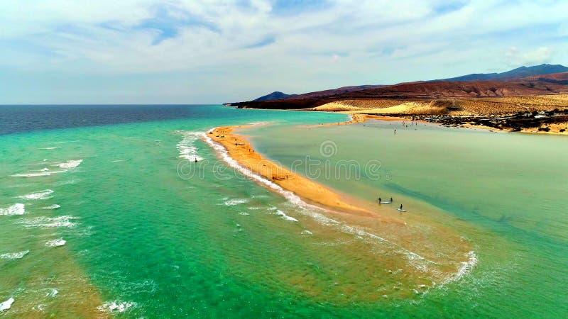 Landskap och sikt av härliga Fuerteventura på kanariefågelöar, Spanien royaltyfri bild