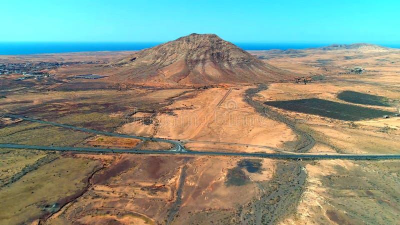 Landskap och sikt av härliga Fuerteventura på kanariefågelöar, Spanien royaltyfri fotografi