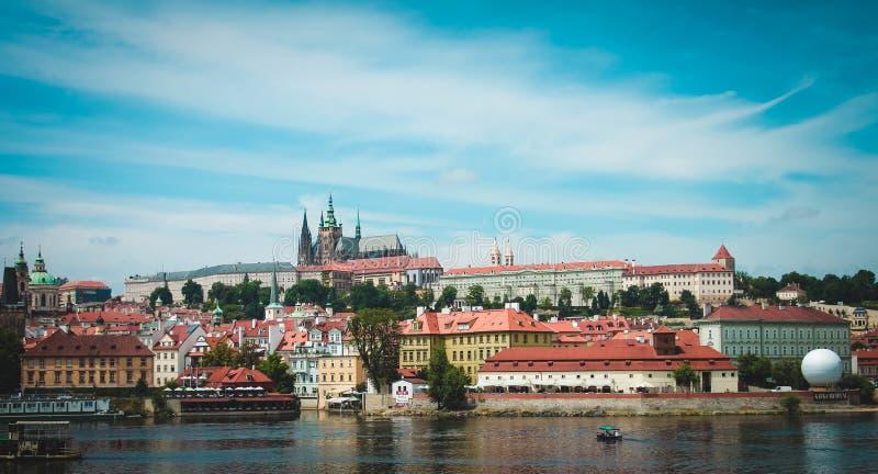 Landskap Panorama av Prague Czeh republik arkivfoton