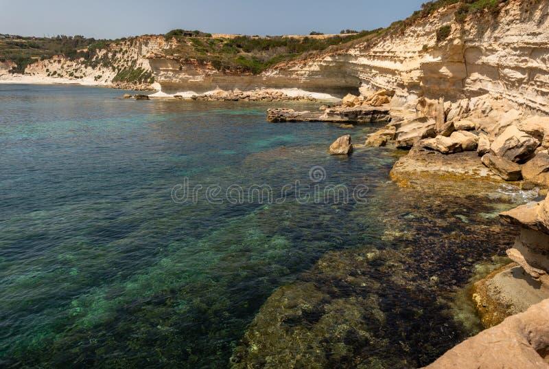 Landskap runt om Marsascala Malta royaltyfria bilder