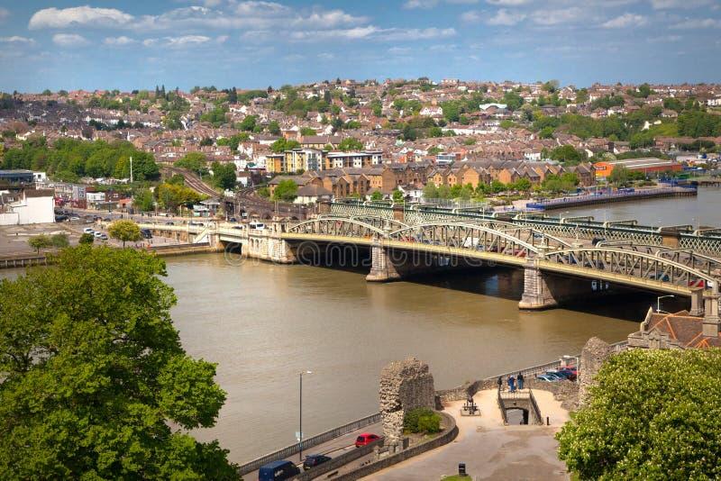 Landskapet av den Rochester staden inkluderar omkring floden Kent och yachtklubban royaltyfria bilder